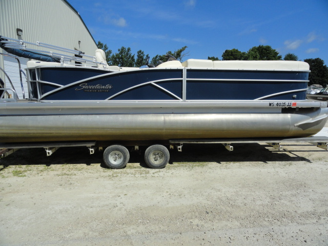Image of 2014 Godfrey Sweetwater 24ft Tritoon