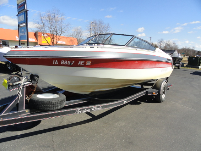 Image of 1990 Rinker 186 Captiva