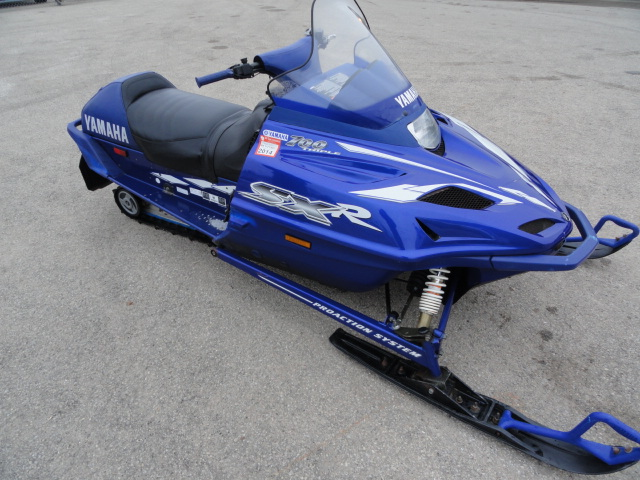 Image of 2000 Yamaha SXR 700